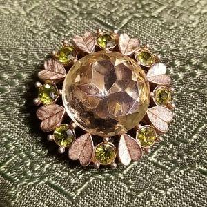 Green glass goldtone broach/pendant vtg Avon